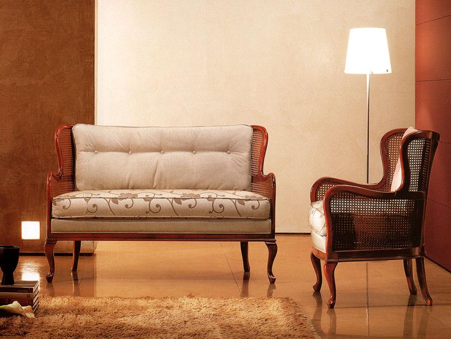 Poltroncina e divano in stile provenzale Tito | Esposizione ...