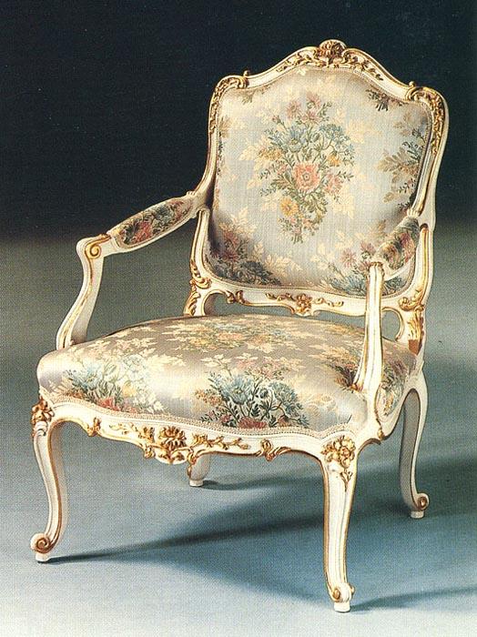 Poltrona stile Luigi XV Regine | Esposizione Artigiani Medesi - Meda ...